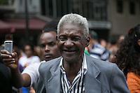 SAO PAULO, SP, 18 DE MAIO DE 2013. VIRADA CULTURAL 2013 -  ILE AIYE .  O publico assiste o grupo afro baiano Ilê Aiye durante apresentacao no Palco Arouche na Virada Cultural. FOTO ADRIANA SPACA/BRAZIL PHOTO PRESS