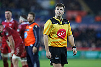 Referee Ben Whitehouse checkes the TMO on the screen during the Guinness Pro14 Round 11 match between the Ospreys and the Scarlets at the Liberty Stadium, Swansea, Wales, UK. Saturday 22 December 2018