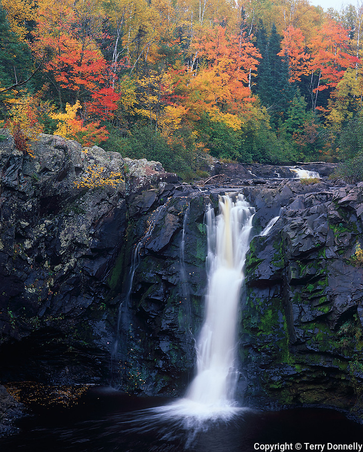 Pattison State Park, WI<br /> Little Manitou Falls on the Black River under hardwood forest in fall color