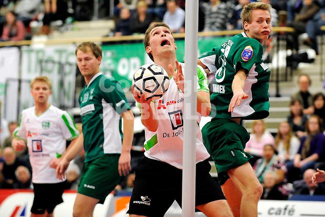 korfbal nic - pkc korfbal league seizoen 2010-2011 11-12-2010. niels tamminga met jefta van der rhee
