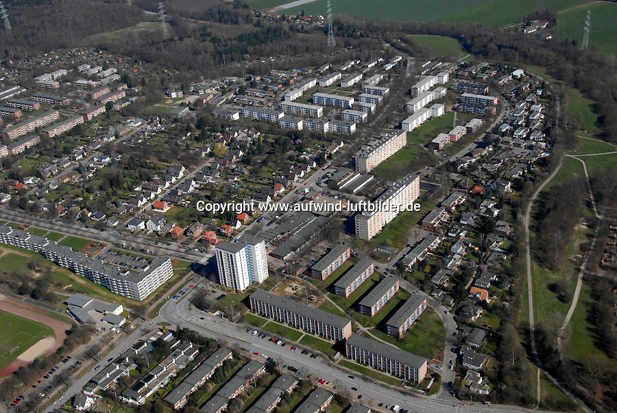 Max Eichholz Ring: EUROPA, DEUTSCHLAND, HAMBURG, (GERMANY), 27.03.2007: Wohnen in Lohbruegge, Reihenhaus, Kettenhaus, Quartier, Goerdelerstrasse, Mietshaus, Siedlung, Wohnungsbau 1960,  Bildvergleich zu Foto (LO-80836).Luftbild, Luftaufname, Luftansicht. c o p y r i g h t : A U F W I N D - L U F T B I L D E R . de.G e r t r u d - B a e u m e r - S t i e g 1 0 2, 2 1 0 3 5 H a m b u r g , G e r m a n y P h o n e + 4 9 (0) 1 7 1 - 6 8 6 6 0 6 9 E m a i l H w e i 1 @ a o l . c o m w w w . a u f w i n d - l u f t b i l d e r . d e.K o n t o : P o s t b a n k H a m b u r g .B l z : 2 0 0 1 0 0 2 0  K o n t o : 5 8 3 6 5 7 2 0 9.C o p y r i g h t n u r f u e r j o u r n a l i s t i s c h Z w e c k e, keine P e r s o e n l i c h ke i t s r e c h t e v o r h a n d e n, V e r o e f f e n t l i c h u n g n u r m i t H o n o r a r n a c h M F M, N a m e n s n e n n u n g u n d B e l e g e x e m p l a r !.