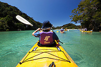 New Zealand, South Island, Nelson region, Abel Tasman National Park: Kayaking in Frenchman's Bay | Neuseeland, Suedinsel, Region Nelson, im Abel Tasman National Park: Kajakfahrt in der Frenchman's Bay