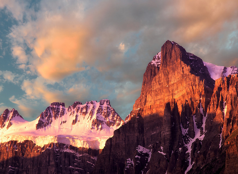 peak,glacier,canada,canadian rockies,sunrise,mountain peak,peak,mountain,