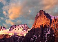 peak,glacier,canada,canadian rockies,sunrise,mountain peak,peak,mountain,