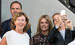 AMSTELVEEN - Marjolein Bolhuis met  Sophie Polkamp en Mijntje Donners   tijdens  de opening van het Stadion voor de Nederland - Spanje (dames) bij de Rabo EuroHockey Championships 2017.  COPYRIGHT KOEN SUYK