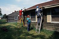 1995 May 01..Assisted Housing..Oakleaf Forest...Oakleaf Modernization.Bungalos before...NEG#.NRHA#..HOUSING:ComGrant  12:10
