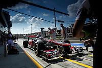 BUDAPESTE, 27 JULHO 2012 - F1 GP DA HUNGRIA -  O Jenson Button da McLaren durante treino para o GP da Hungria que acontece nesse final de semana em Budapeste. (FOTO PIXATHLON / BRAZIL PHOTO PRESS).