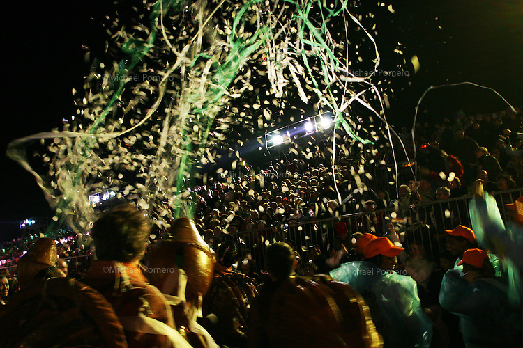 20.02.2007 Nice(Alpes Maritimes)<br /> <br /> Each year thousands of people enjoy the carnival in the streets of Nice.<br /> <br /> Chaque année des milliers de personnes s'amusent pendanst le carnaval dans les rues de Nice.