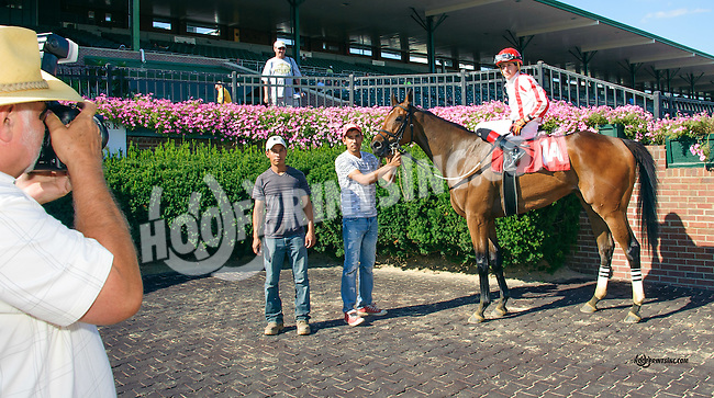 Mark photographing Twocubanbrothersu at Delaware Park on 8/25/15