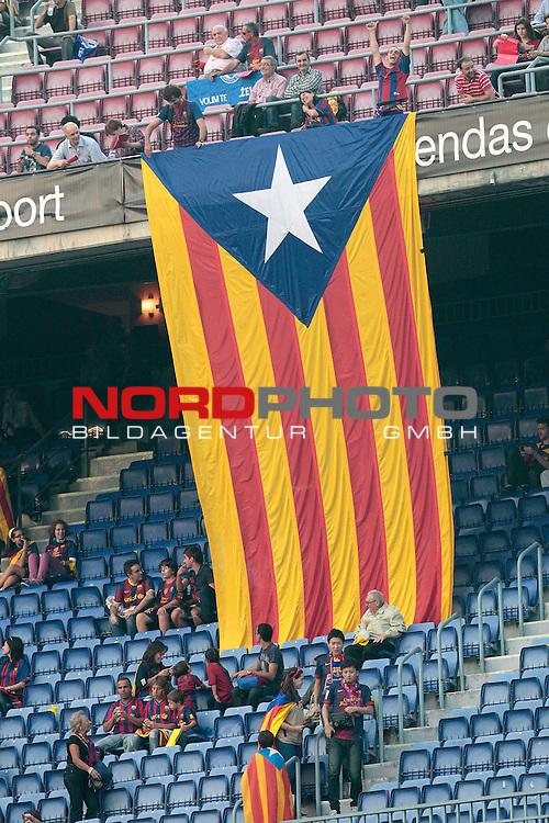 07.10.2012, Camp Nou, Spanien, Primera División, FC Barcelona vs Real Madrid im Bild  Barcelona's supporters during la Liga match on october 7th 2012.  Foto © nph / Cesar Cebola *** Local Caption ***