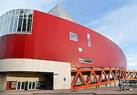 Rotterdam- Het Nieuwe Luxor Theater bij het Wilhelminaplein