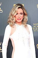 BURBANK - APR 26: Donna Mills at the 42nd Daytime Emmy Awards Gala at Warner Bros. Studio on April 26, 2015 in Burbank, California