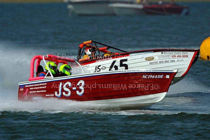 """JS-3 """"Making Memories""""  and Warren Brown, JS-65 """"KISS""""   (Jersey Speed Skiff(s)"""