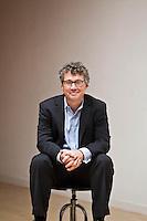 Francois Choquette - Aon pictures: Executive portrait photography of Francois Choquette of Aon by San Francisco corporate photographer Eric Millette