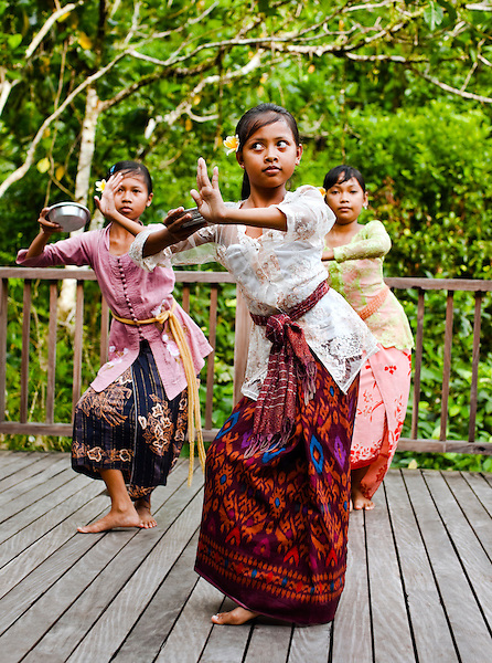 Young girls from Susut village learn the Legong dance at Diatas Phon Cafe, Ubud Hanging Gardens, Bali, Indonesia.