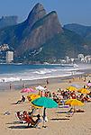 Banhistas na praia de Ipanema. Rio de Janeiro. 2009. Foto de Juca Martins.