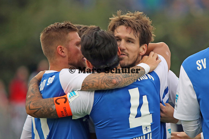 Torjubel um Romain Bregerie (SV98) beim 1:0 - SV Darmstadt 98 vs. FSV Frankfurt, Stadion am Boellenfalltor