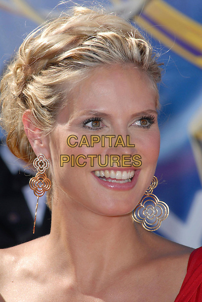 HEIDI KLUM.58th Annual Primetime Emmy Awards held at the Shrine Auditorium, Los Angeles, California, USA..August 27th, 2006.Ref: ADM/CH.headshot portrait earrings.www.capitalpictures.com.sales@capitalpictures.com.©Charles Harris/AdMedia/Capital Pictures.
