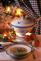 """Europe/Autriche/Tyrol : Soupe aigre-douce aux pommes et haricots verts - Recette d'A. Foidl du """"Angerer Alm"""""""