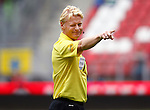 Nederland, Utrecht, 16 september 2012.Eredivisie.Seizoen 2012-2013.FC Utrecht-PSV.Scheidsrechter Kevin Blom geeft een knipoog.