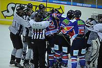IJSHOCKEY: HEERENVEEN: IJsstadion Thialf, 02-02-2013, Eredivisie, UNIS Flyers - Amsterdam G's, Eindstand: 9-2,  opstootje rondom Jurryt Smid (#2 | Flyers) en Marino Bakker (#5 | Amsterdam), ©foto Martin de Jong
