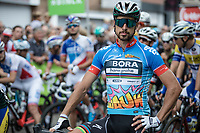 Points Jersey leader Peter Sagan (SVK/Bora Hansgrohe) striking a pose pre race in Essen. <br /> <br /> Binckbank Tour 2017 (UCI World Tour)<br /> Stage 7: Essen (BE) > Geraardsbergen (BE) 191km