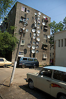 ROMANIA, 12.2006; Bucharest..Trabant and satellite dishes in Pantelimon area, Bucharest..© Egyed Ufo Zoltan / Est&Ost Photography