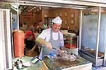 Serving Döner Kebab