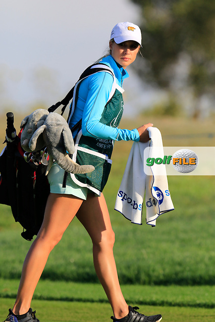 Kate AIKEN (RSA) caddying for husband Thomas at the 2nd green during Friday's Round 2 of the Portugal Masters 2015 held at the Oceanico Victoria Golf Course, Vilamoura Algarve, Portugal. 15-18th October 2015.<br /> Picture: Eoin Clarke | Golffile<br /> <br /> <br /> <br /> All photos usage must carry mandatory copyright credit (&copy; Golffile | Eoin Clarke)