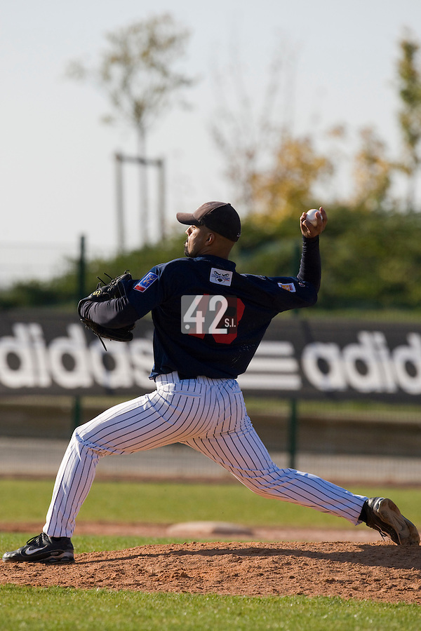 11 Oct 2008: Keino Perez pitches against Senart during game 1 of the french championship finals between Templiers (Senart) and Huskies (Rouen) in Chartres, France. The Templiers win 5-2 over the Huskies