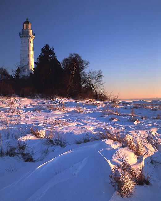 432-06 Cana Island Lighthouse in Winter, Door County, Wisconsin