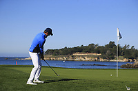 Jordan Spieth (USA) chips onto the 7th green during Sunday's Final Round of the 2018 AT&amp;T Pebble Beach Pro-Am, held on Pebble Beach Golf Course, Monterey,  California, USA. 11th February 2018.<br /> Picture: Eoin Clarke | Golffile<br /> <br /> <br /> All photos usage must carry mandatory copyright credit (&copy; Golffile | Eoin Clarke)