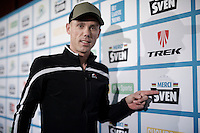 Sven right before the show<br /> <br /> 'Merci Sven' (twice!) sold out arena event: <br /> tribute-show celebrating Sven Nys' career/retirement together with 18.000 people in the Sportpaleis Arena