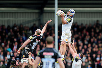 Leroy Houston of Bath Rugby wins the ball at a lineout. Aviva Premiership match, between Exeter Chiefs and Bath Rugby on February 28, 2016 at Sandy Park in Exeter, England. Photo by: Patrick Khachfe / Onside Images
