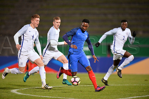 14.11.2016. bondoufle, Paris, France. U-21 International friendly football match, France versus England.  Moussa Dembele (fra) breaks through the English defense to score the equaliser in the 18th minute