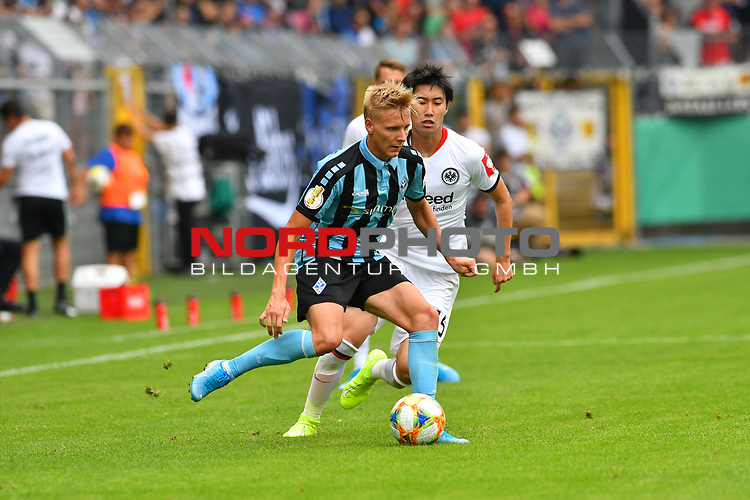 11.08.2019, Carl-Benz-Stadion, Mannheim, GER, DFB Pokal, 1. Runde, SV Waldhof Mannheim vs. Eintracht Frankfurt, <br /> <br /> DFL REGULATIONS PROHIBIT ANY USE OF PHOTOGRAPHS AS IMAGE SEQUENCES AND/OR QUASI-VIDEO.<br /> <br /> im Bild: Dorian Diring (SV Waldhof Mannheim #8), Daichi Kamada (Eintracht Frankfurt #15)<br /> <br /> Foto © nordphoto / Fabisch