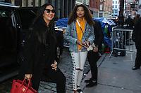 NEW YORK, NY, 14.02.2017 - MING-LEE - Kimora Lee Simmons (E) e sua filha <br /> Ming Lee Simmons &eacute; vista chegando em uma loja de cosmeticos recem inaugurada em Manhattan na cidade de New York nesta ter&ccedil;a-feira, 14. (Foto: Vanessa Carvalho/Brazil Photo Press)