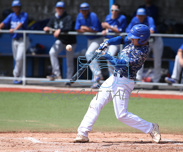 Western Nevada's David Modler bats against College of Southern Nevada in Carson City, Nev. on Friday, May 6, 2016. <br />Photo by Cathleen Allison/Nevada Photo Source