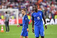 FUSSBALL EURO 2016 FINALE IN PARIS  Portugal - Frankreich     10.07.2016 Enttaeuschung Frankreich; Antoine Griezmann (li) und Paul Pogba