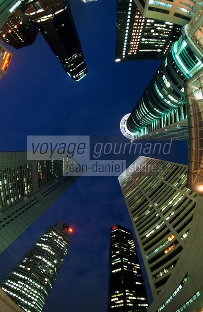 Asie/Singapour/Singapour: Vue des buildings la nuit
