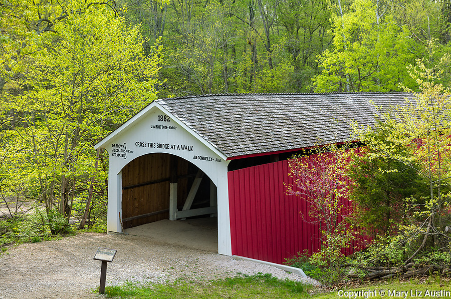 Parke County, Indiana: The Narrows Bridge in early spring, Turkey Run state park