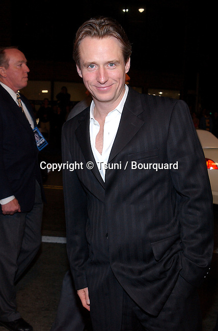 Linus Roache arriving at the premiere of Hart's War at the Mann National Theatre in Westwood, Los Angeles. February 12, 2002.           -            RoacheLinus01.jpg
