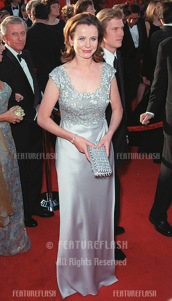 "21Mar99""  Actress EMILY WATSON at the 71st Academy Awards..© Paul Smith / Featureflash"