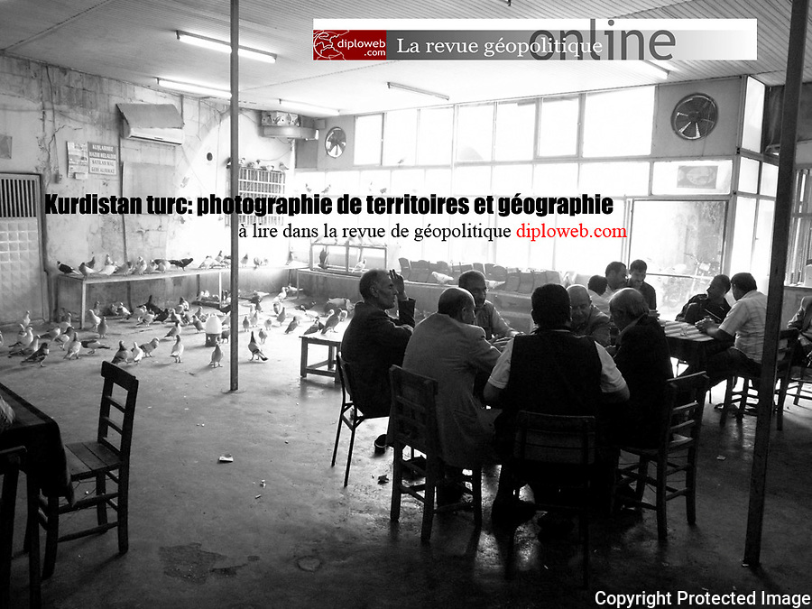 http://www.diploweb.com/Kurdistan-turc-photographies-de.html<br /> &quot;Ce photo reportage d&rsquo;Alexandre Mouthon, r&eacute;alis&eacute; &agrave; la veille des &eacute;lections nationales turques de juin 2011, tente de saisir l&rsquo;esprit des lieux &agrave; travers les dynamiques qui sont &agrave; l&rsquo;&oelig;uvre au Kurdistan turc. L&rsquo;auteur croise ici sa lecture de g&eacute;ographe et son coup d&rsquo;oeil de photographe. Il nous emm&egrave;ne ainsi avec lui au Kurdistan turc.&quot; Pierre Verluise, directeur de la revue Diploweb.
