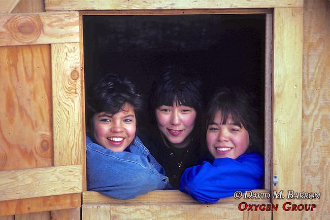 Jade, Pukuk (Deva) & Ellen