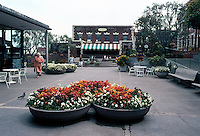 San Francisco: Ghirardelli Square, Outdoor Furniture.   Photo '84.