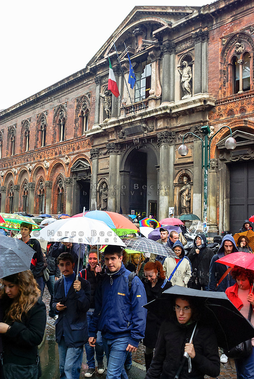 Milano, manifestazione degli studenti della Università Statale contro la riforma dell'istruzione --- Milan, demonstration of the students of the Statale university against the school reform