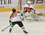 03.01.2020, BLZ Arena, Füssen / Fuessen, GER, IIHF Ice Hockey U18 Women's World Championship DIV I Group A, <br /> Daenemark (DEN) vs Ungarn (HUN), <br /> im Bild Torchance durch Imola Horvath (HUN, #22), Emma-Sofie Nordstrom (DEN, #25)<br /> <br /> Foto © nordphoto / Hafner