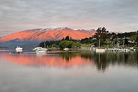 New Zealand, South Island, Otago region, Wanaka: Sunrise over Lake Wanaka | Neuseeland, Suedinsel, Region Otago, Wanaka: Sonnenaufgang am Lake Wanaka