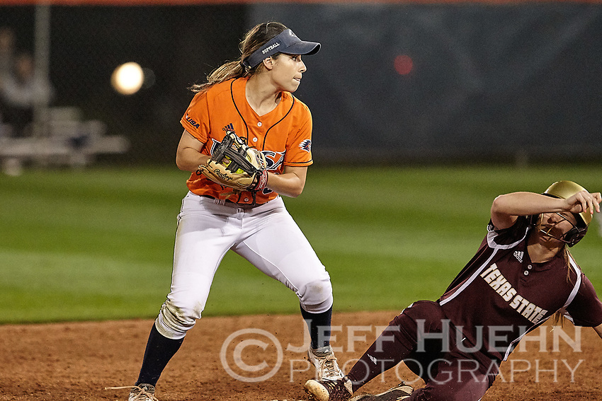 SAN ANTONIO, TX - FEBRUARY 28, 2018: The University of Texas at San Antonio Roadrunners fall to the Texas State University Bobcats 7-1 at Roadrunner Field. (Photo by Jeff Huehn)
